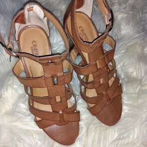🌛2 for $20🌜Crown Vintage Brown Gladiator heels 7
